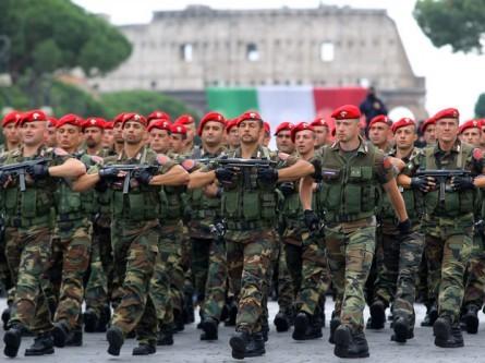 militari_parata